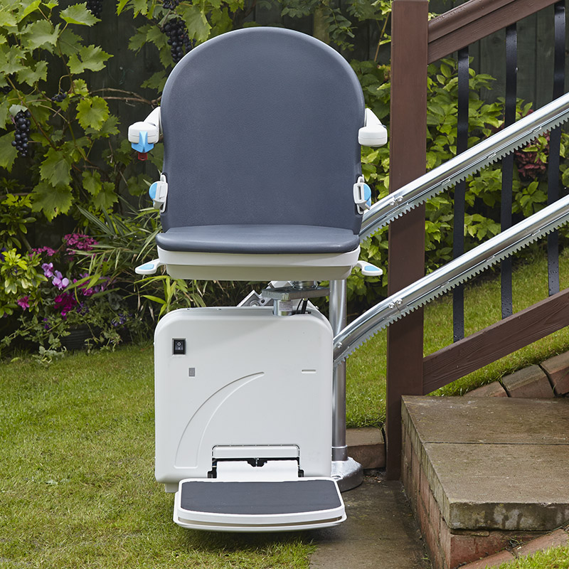 Model 2000 Outdoor Stairlift